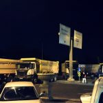cumhurbaskanligina-giden-yolu-kapayan-kamyonlar