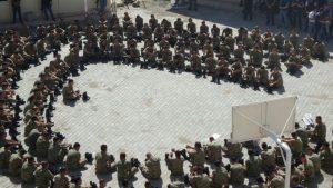 FETÖ'nün darbe girişimiyle ilgili soruşturma kapsamında Şırnak'ta Çakırsöğüt Jandarma Komando Tugay Komutanı Tuğgeneral Ali Osman Gürcan ile 2'si binbaşı 3'ü yüzbaşı 309 asker gözaltına alındı. ( Ekrem Payan - Anadolu Ajansı )