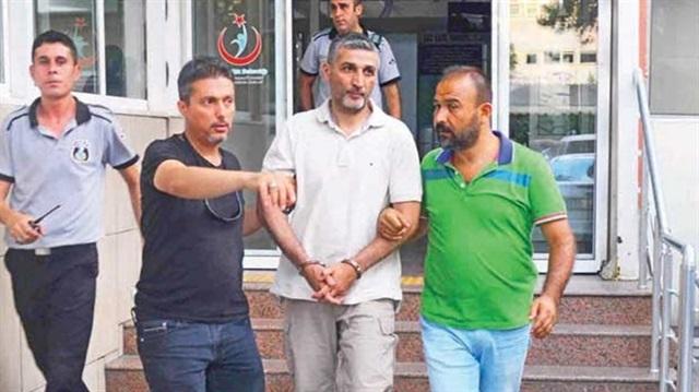 Askerlerin Rütbelerini teröristbaşı Gülen taktı